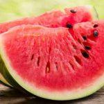 Melancia, fruta doce e boa até para diabéticos e mulheres grávidas