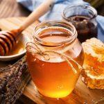 Mel de abelha: substituto do açúcar com muitos benefícios para a saúde